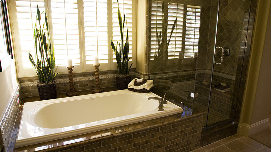 Bathroom Remodeling with Decorator Tub and Shower Tile