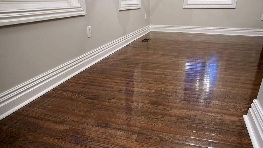 Decorator Moldings and Hardwood Floors in Remodeled Room